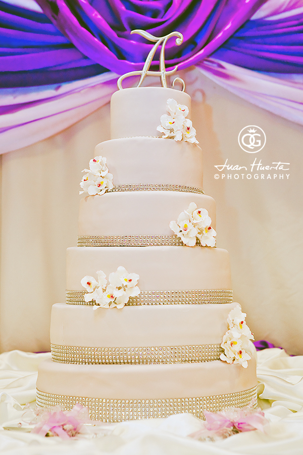 herreras-event-hall-cake-quinceaneras-gallery-photographer-juan-huerta-photography