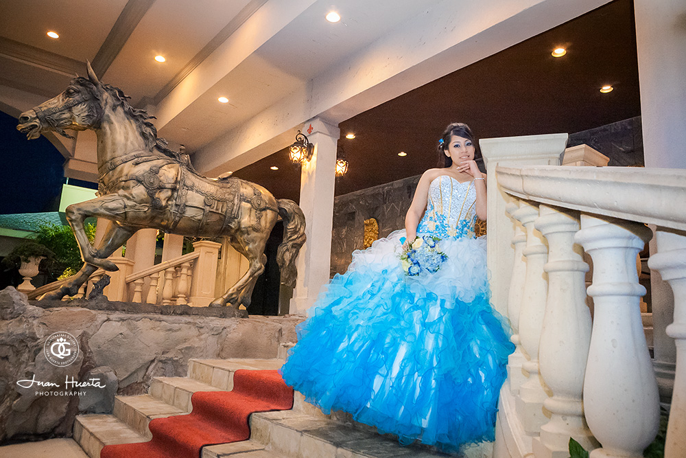Chateau Crystale Events Quinceaneras Photography by Juan Huerta