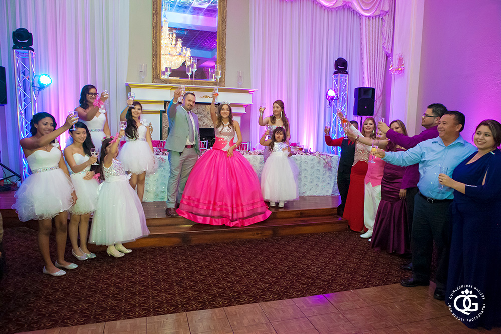 chateau-crystale-reception-hall-houston-quinceanera-juan-huerta-photography