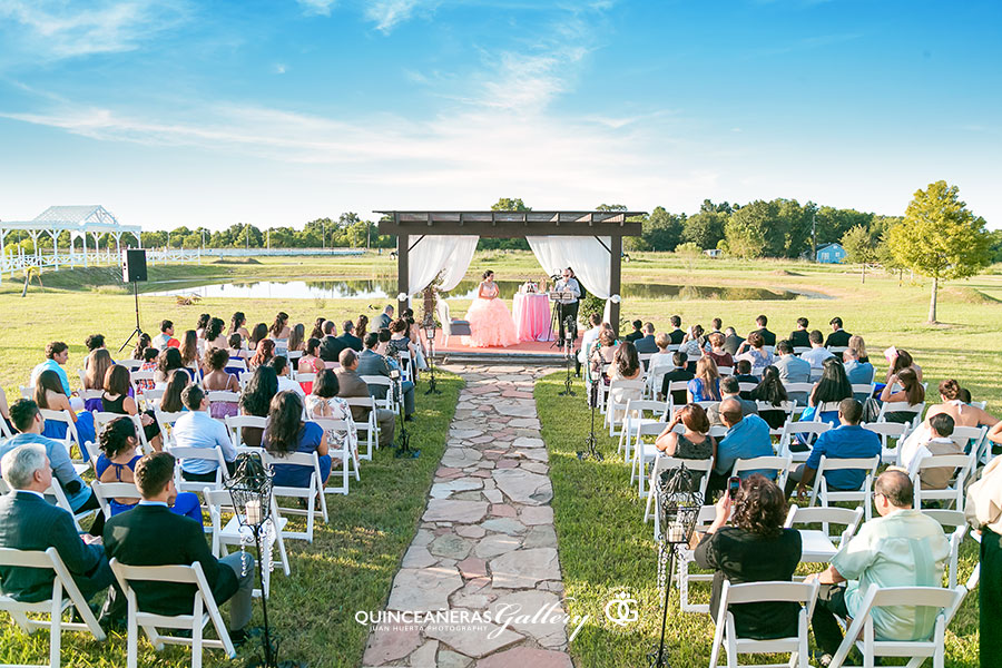 hacienda-flores-palomino-ranch-quinceanera-reception-halls-photography-juan-huerta