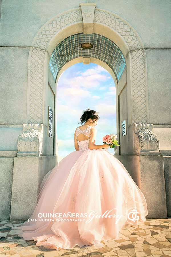 sam-houston-monument-quinceaneras-gallery-ideas-juan-huerta-photography-video