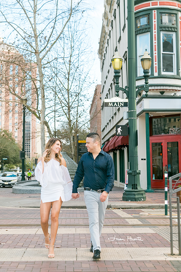 what-to-wear-engagement-pictures-session-tips-ideas