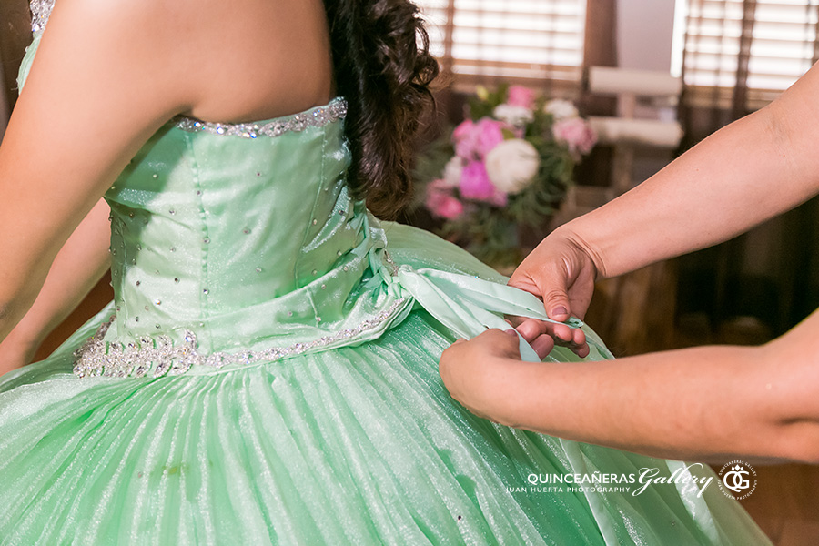 sterling-banquet-reception-hall-quinceaneras-gallery-juan-huerta-photography