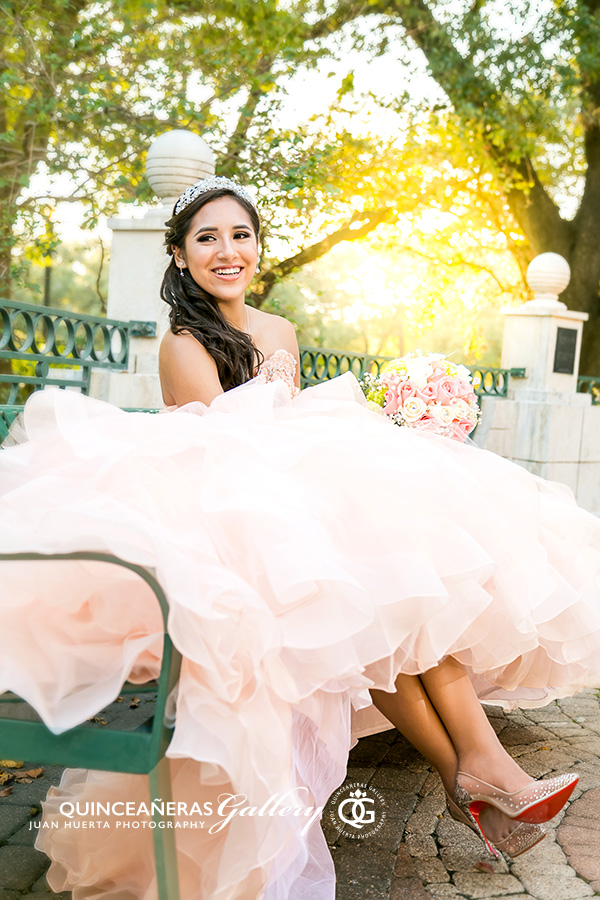 houston-star-reception-hall-quinceaneras-gallery-juan-huerta-photography
