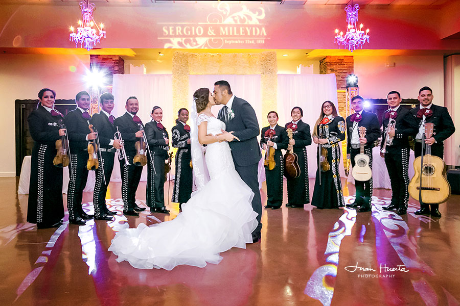 houston-katy-texas-affordable-wedding-photographer-under-2000-juan-huerta-photography-prices-packages