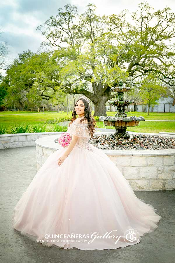 rosharon-texas-best-quinceaneras-gallery-photography-video-prices-packages